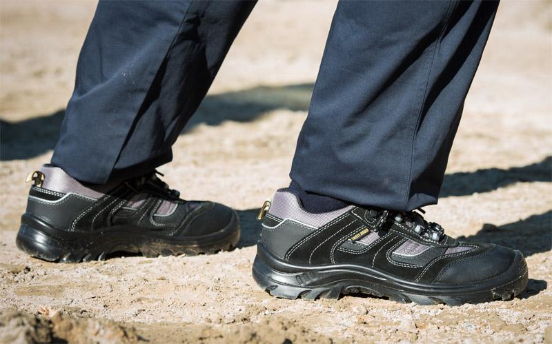 Giày BHLD chống va đập, chống xuyên thủng